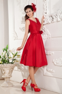 Red V-neck Dama Dress for Quinceanera Taffeta Knee-length
