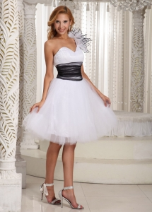 One Shoulder Handmade Florwer A-line White Prom Dress