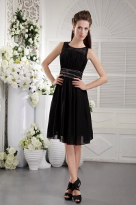 Black Scoop Knee-length Beading Cocktail Graduation Dresses