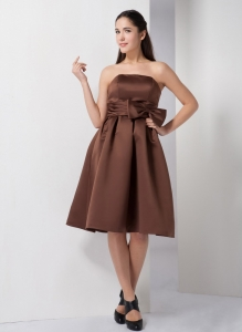 Brown A-line Strapless Knee-length Satin Cocktail Dress Bow