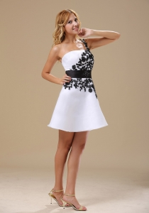 One Shoulder Mini-length Prom Dress Black and White
