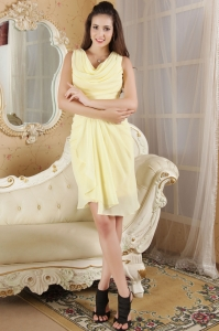 V-neck Light Yellow Mini-length Ruch Prom Homecoming Dress