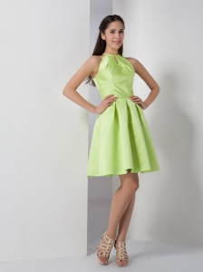 Spring Green A-line Scoop Knee-length Ruch Graduation Dress