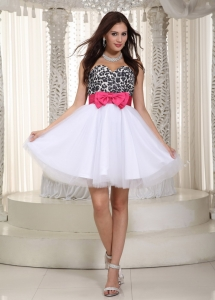 Leopard Holiday Graduation Dresses White Sweetheart Knee-length