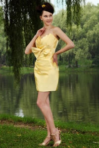 Yellow Strapless Mini-length Bowknot Homecoming Dress