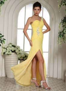 Light Yellow High Slit Prom Pageant Dress Appliques