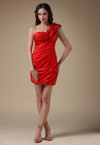 Red Column Satin Ruch Holiday Cocktail Dresses