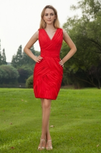 Red Column Holiday Graduation Dresses V-neck Ruch