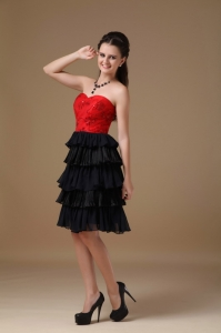 Black Red Prom Dress Sweetheart Knee-length Beading