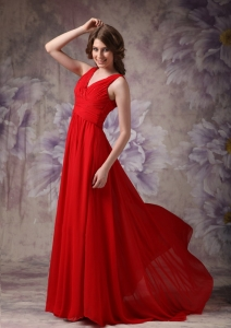 Red Maxi/Celebrity Dress V-neck Chiffon Ruch and Beading