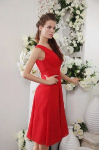 Red V-neck Knee-length Chiffon Prom Graduation Dress