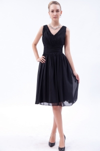 Black V-neck Little Black/Homecoming Dress Knee-length
