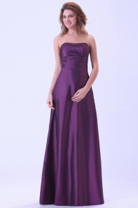 Strapless Dark Purple Bridemaid Dress Ruching Floor-length