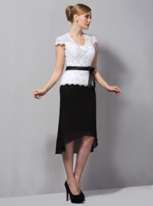 Black and White Column Square Tea-length Moms dress