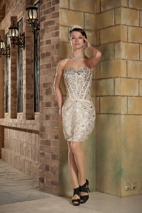 Sweetheart Mini-length Sequin Beading Nightclub/Graduation Dress
