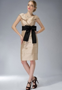 Champagne V-neck Knee-length Mother Dress with Black Bowknot