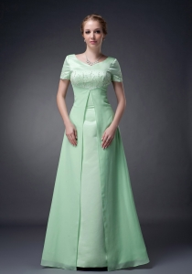 Apple Green V-neck Short Sleeves Chiffon Mothers Dress Beading