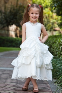 V-neck Lace Pick-ups Little Flower Girl Dresses Taffeta