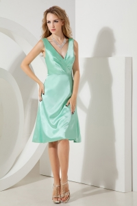Apple Green Maid of Honor Dress V-neck Knee-length Taffeta