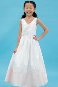 Appliques V-neck Little Flower Girl Dress White Satin