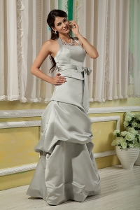 A-line Halter Floor-length Satin Bridesmaid Dressess