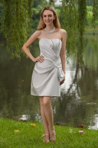 Column Bridesmaid Dresses Sheath Strapless Satin Pleats