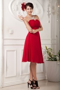 Knee-length Bridesmaid Dressses Chiffon Red Ruch