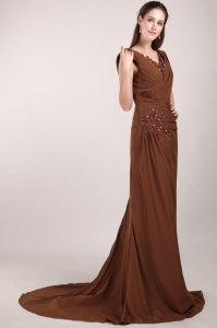Brush Train Mother of the Bride Dress Brown V-neck Beading