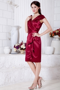 V-neck Wine Red Mother of the Bride Dress Knee-length