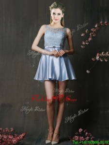 Fashionable Light Blue Short Dama Dresses with Lace and Belt