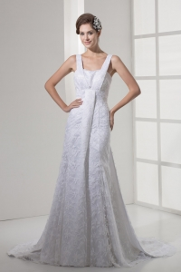 2013 Square Neck Lace Wedding Dress With Court Train