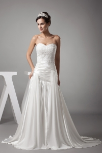 A-line Sweetheart Court Train Appliques Wedding Dress