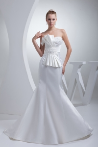 Strapless Satin Mermaid Ruching Appliques Wedding Dress