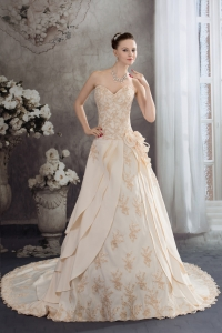 Sweetheart A-line Appliques Hand Made Flowers Taffeta Wedding Dress