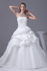 Appliques With Beading Strapless Pick-ups Wedding Dress