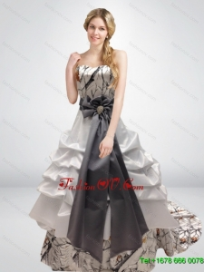 Beautiful Sweetheart Camo Wedding Dresses with Bowknot and Court Train