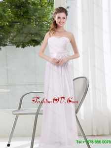 2015 Ruching and Belt Sweetheart Empire White Dama Dresses