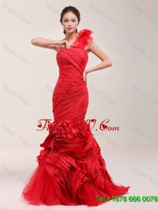 Classical Ruching and Ruffles Brush Train Wedding Dress in Red