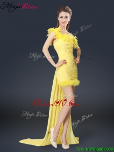 2016 Sweet One Shoulder Watteau Train Bridesmaid Dresses in Yellow