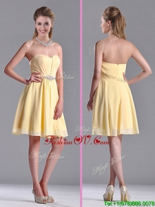 Modest Empire Chiffon Yellow Short Dama Dresses for Quinceanera with Beading