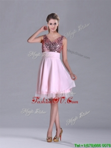 2016 Latest V Neck Sequined Decorated Bodice Prom Dress in Baby Pink