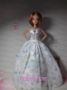 Sweet Lace Hand Made Flowers White Made to Fit the Barbie Doll