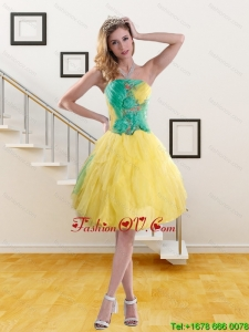 2015 Romantic Strapless Prom Dresses with Embroidery and Ruching