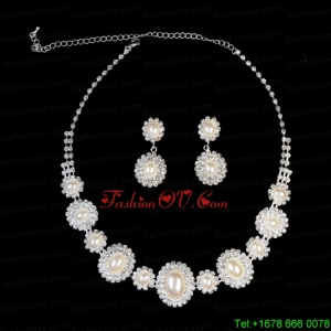 Luxurious Pearl Ladies Jewelry Set Including Necklace And Earrings