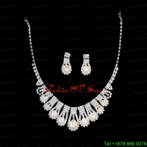 Luxurious Rhinestone Pearl Ladies Jewelry Set Including Necklace And Earrings