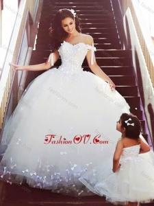 2016 Sophisticated Off the Shoulder Wedding Dresses with Bowknot and Romantic Strapless Flower Girl Dress with Bowknot