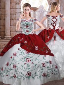 Taffeta Off The Shoulder Sleeveless Lace Up Embroidery and Ruffled Layers 15th Birthday Dress in White And Red