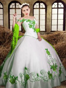 White Sleeveless Floor Length Embroidery Lace Up Ball Gown Prom Dress