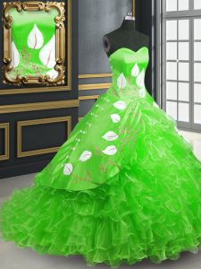 Best Sleeveless Embroidery Lace Up Quince Ball Gowns with Green Brush Train