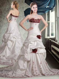 Sophisticated White And Red A-line Sweetheart Sleeveless Taffeta Brush Train Zipper Appliques and Pick Ups and Hand Made Flower Wedding Gowns